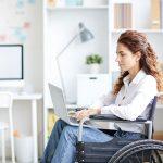 Patientin im Rollstuhl
